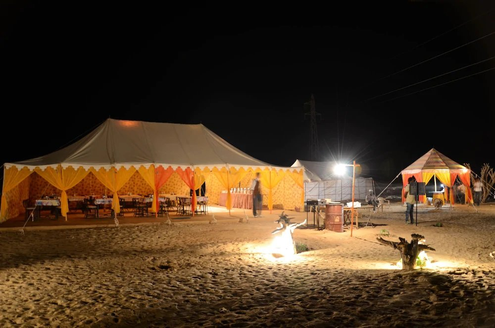 sheesh mahal desert camp