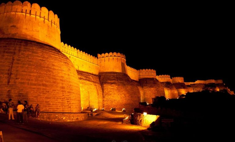 kumbhalgarh Fort during night