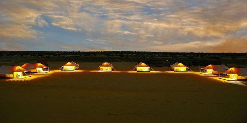 Night view of Oasis camp sam